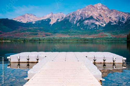 Staande foto Groen blauw Pyramid Lake