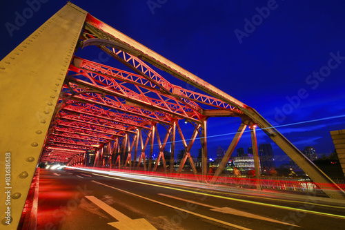 Keuken foto achterwand Shanghai Bridge of steel frame structure, night in Shanghai, China