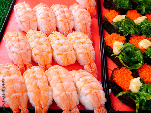 Tuinposter Sushi bar sushi at street market