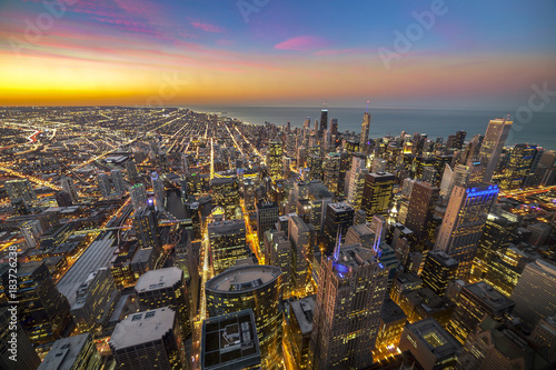 Plexiglas Chicago City of Chicago. Aerial view of Chicago downtown at twilight from high above.