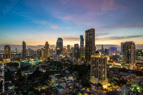 Papiers peints Bangkok Bangkok city - Aerial view of Bangkok city downtown cityscape urban skyline at night , landscape Thailand