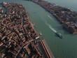 Venedig aus der Luft - 183744402