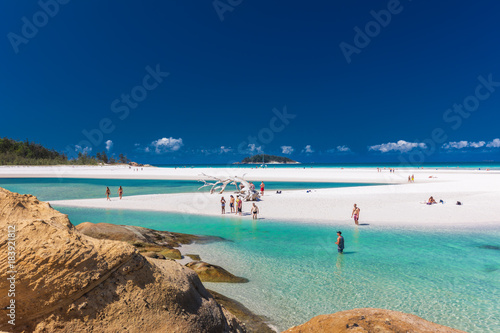 Wall mural WHITSUNDAYS, AUS - SEPT 22 2017: Whitehaven Beach in the Whitsunday Islands, Queensland, Australia