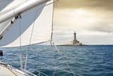 passage près d'un phare - 183937025