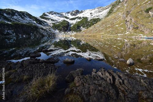 Deurstickers Bergen Der Wildsee am Wildseeloder im Herbst am frühen Morgen, Tirol, Österreich