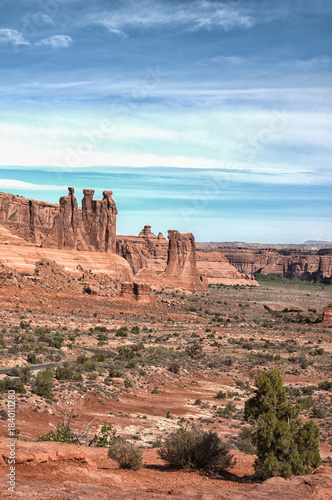 In de dag Zalm Three Kings formation in Arches National Park, Utah