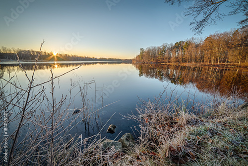 Foto op Canvas Donkergrijs Frosty morning over the lake