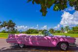 Amerikanischer pink Cadillac Cabriolet Oldtimer in Varadero Cuba - Serie Cuba Reportage