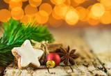 Weihnachten Stern Keks und Gewürze - 184131296