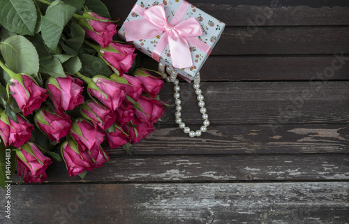 14 february, wedding, pearls, box, rose, bunch, day, summer, table, spring, wooden, flower, background, romantic, blossom, beautiful, wood, space, pink, bouquet, floral, love, gift, celebration, natur