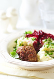 Frikadeller with mashed potatoes and beetroot salad - 184203014
