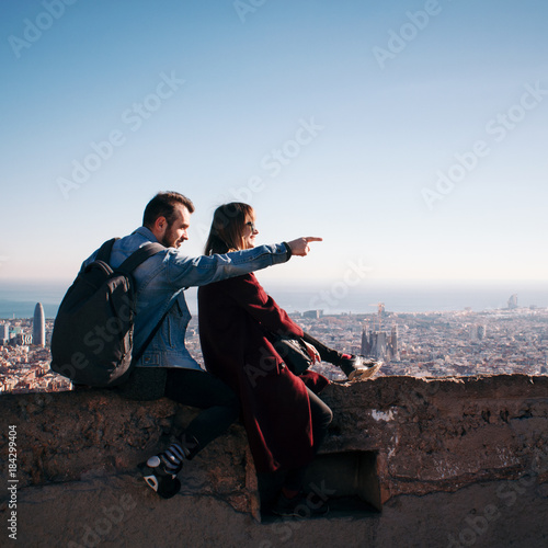 Foto op Canvas Barcelona Couple looking at the cityscape