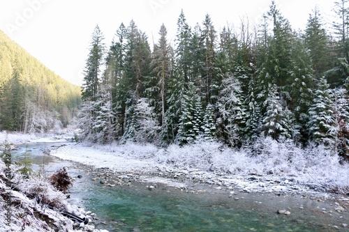 Foto op Canvas Grijs Snowy River