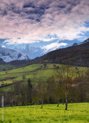 Foto op Plexiglas Lichtroze Naranjo de Bulnes (known as Picu Urriellu) in Picos de Europa National Park.