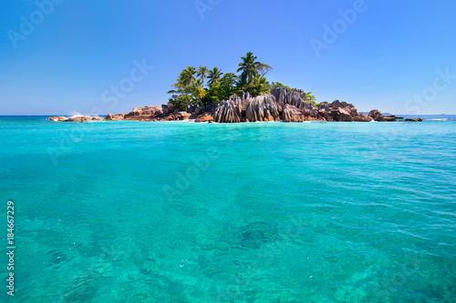 Foto op Canvas Tropical strand island