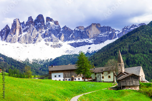 Fotobehang Freesurf Imressive Dolomites mountains and traditional villages. North of Italy