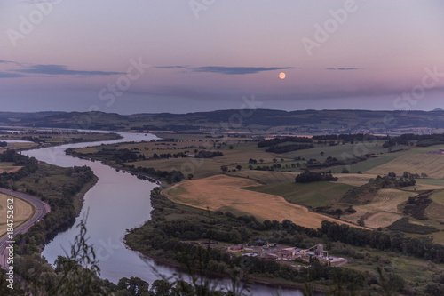 Staande foto Cappuccino Skyline of Perth and the River Tay at sunset, Scotland