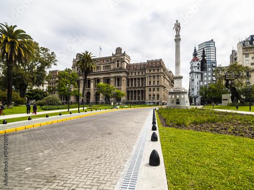 Fotobehang Buenos Aires Argentinien, Buenos Aires, Stadtzentrum, Plaza Lavalle, mit dem Oberster Gerichtshof Argentiniens,