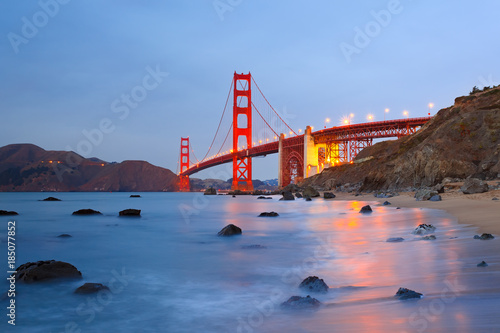 Golden Gate bridge at night - 185077852