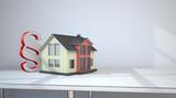 Hausgebäude mit einem Paragrafen - 185088284