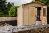 construction chalet de jardin - 185145067