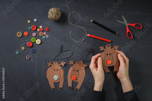 Poster creating paper crafts reindeer