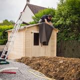 construction chalet de jardin - 185147613
