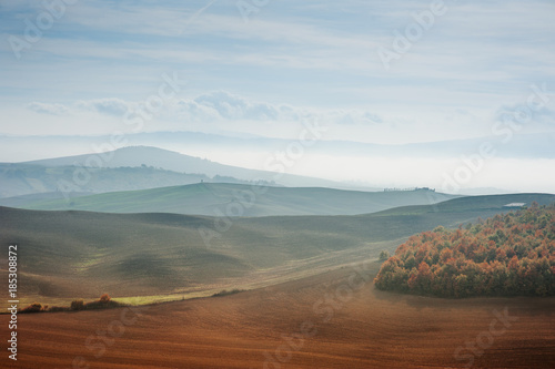 Deurstickers Toscane Tuscany landscape rolling hills panoramic view in an autumn day, Italy