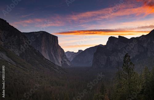 Aluminium Nachtblauw Yosemite Tunnel View