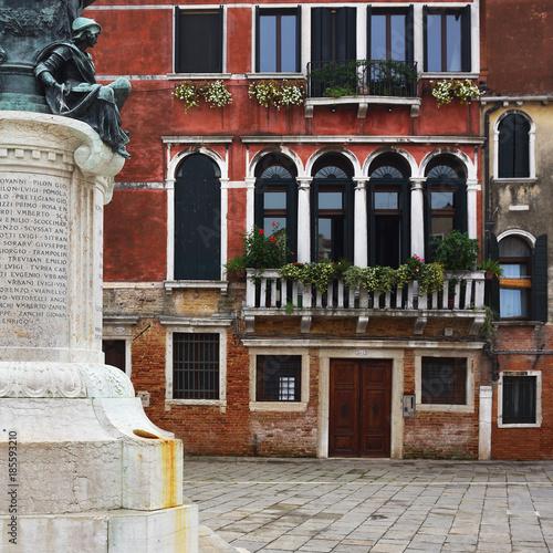 Foto op Plexiglas New York TAXI Campo Santa Margherita in Venice, italy