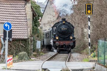 Historische Eisenbahn Ortsdurchfahrt