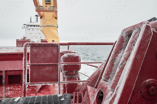 Bordeaux Ship's details during heavy icing f merchant ship while navigating in extremely cold weather in north seas
