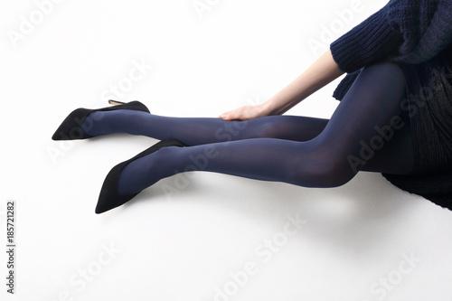 Nogi kobiety w rajstopach