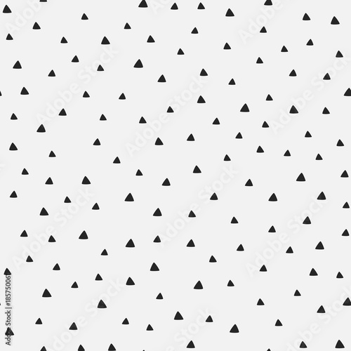 fototapeta na ścianę Repeating triangles drawn by hand. Geometric seamless pattern.