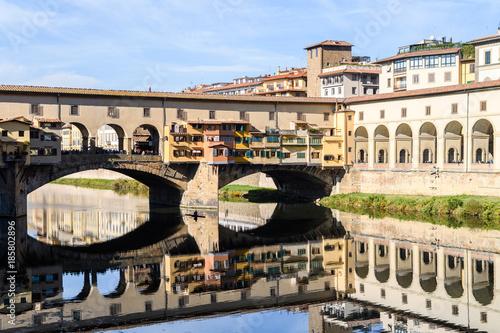 Staande foto Florence Vasari corridor over the Arno River, florence