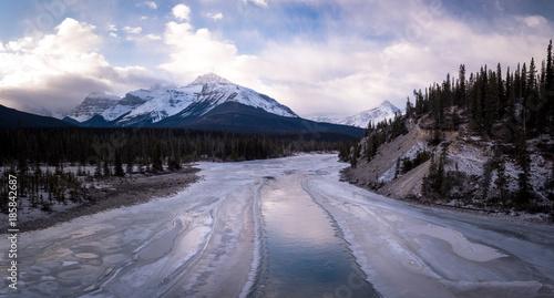 Foto op Plexiglas Canada The icy landscape in Jasper National Park located in Alberta, Canada