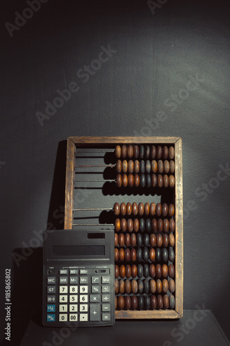 abacus close up - 185865802
