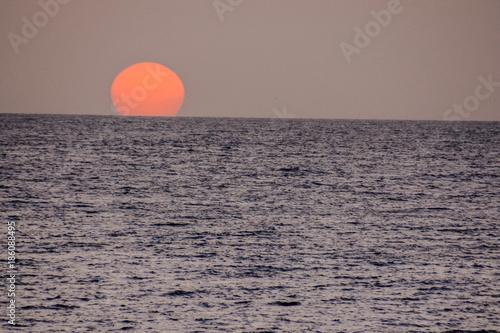 Keuken foto achterwand Zee zonsondergang The Sun Setting in the Sea
