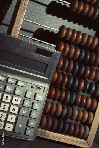 abacus close up - 186185675