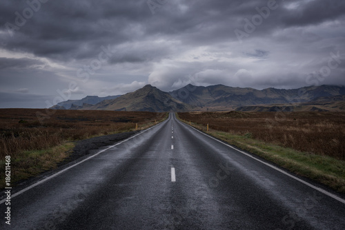 Tuinposter Chocoladebruin Ring Road Through Iceland