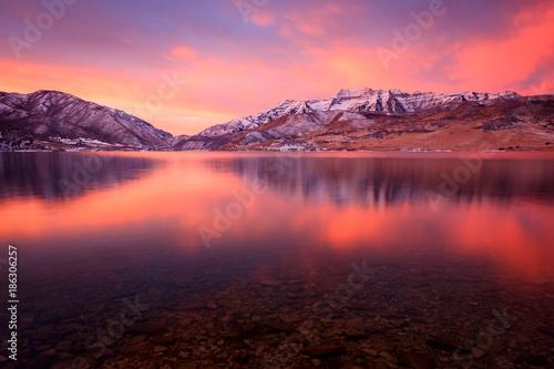 Foto op Aluminium Lichtroze Vivid sunrise reflection in rural Utah, USA.