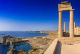 View of St. Paul´s bay and ancient temple of goddess Athena on acropolis of Lindos (Rhodes, Greece) - 186311420