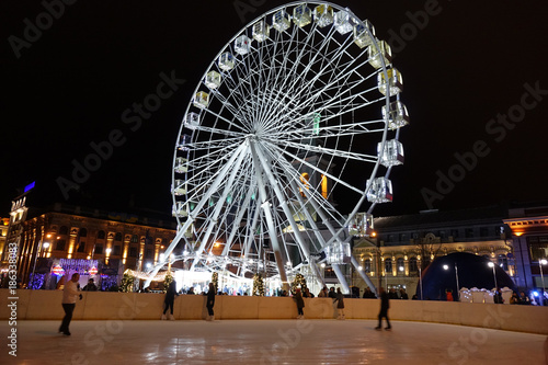Foto op Plexiglas Kiev Kiev winter, Podol, Kontraktova square, new 2018 year eve, Ferris wheel