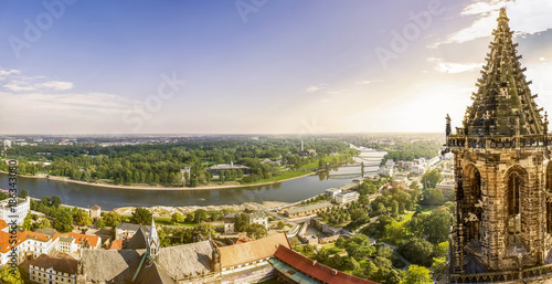Leinwanddruck Bild Sicht über Magdeburg und Südturm des Doms