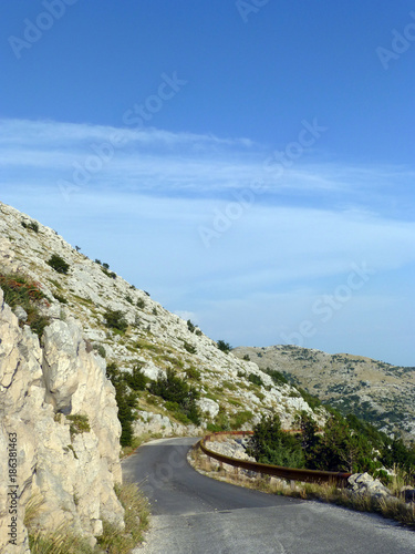 Straße im Nationalpark Biokovo - 186381463