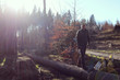 Leinwanddruck Bild - Mann im Wald