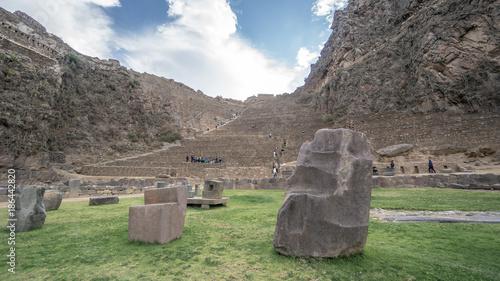 In de dag Olijf Scenery from the ancient Inca city Ollantaytambo., Peru, South America