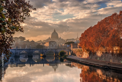 In de dag Rome Autumn sunset in Rome with Saint Peter dome