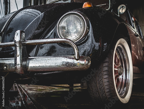 Old VW Volkswagen Beetle - 186605627