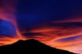 Nubi lenticolari al tramonto - 186711835